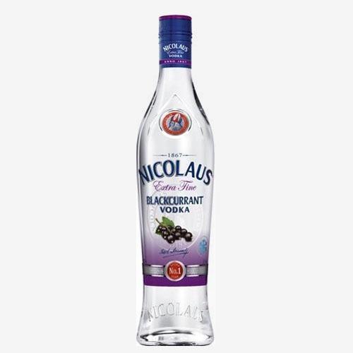 St. Nicolaus Vodka Extra Fine blackcurrant/čierna ríbezľa 38 % - 700 ml